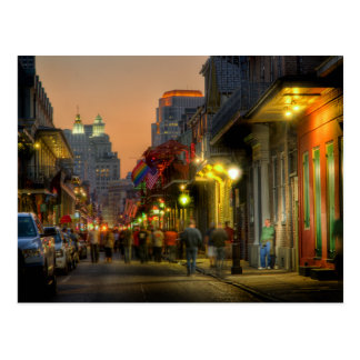 Carte postale de coucher du soleil de rue de