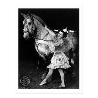 Carte Postale Fille de cirque avec Horse, 1908