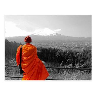 Carte Postale Moine bouddhiste et mont Fuji de visite