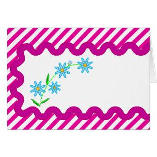 Carte vierge avec des rayures et des fleurs bleues