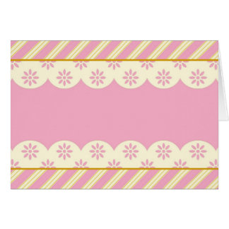 Carte vierge avec l'arrière - plan rose et blanc d