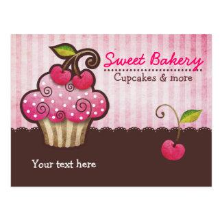 Cartes postales de petit gâteau de baie de cerise