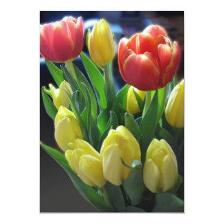Cartes rouges et jaunes d'invitation de tulipes carton d'invitation  12,7 cm x 17,78 cm