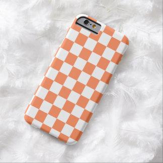 Cas de l'iPhone 6 de damier dans l'orange de Coque iPhone 6 Barely There