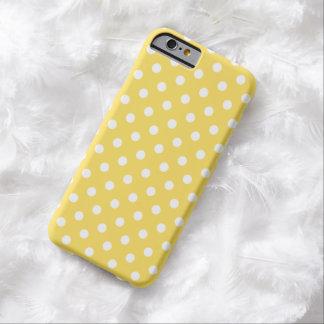 Cas de l'iPhone 6 de point de polka en jaune de Coque iPhone 6 Barely There