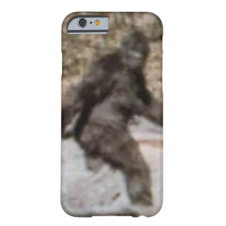 Cas drôle de Bigfoot Sasquatch Coque iPhone 6 Barely There