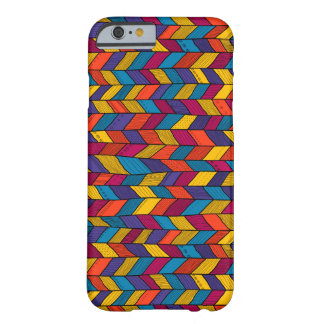Case with multicolor sennit pattern