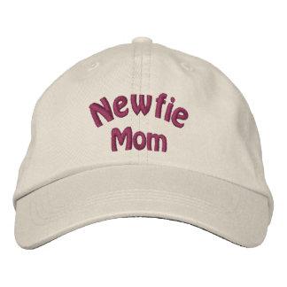 Casquette brodé par Terre-Neuve de maman de Newfie