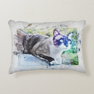 Cat on stone. Work of art, water color, Grunge Accent Pillow