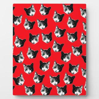 Cat pattern plaque