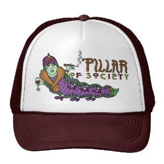 Caterpillar d'animal de société font des casquettes de camionneur