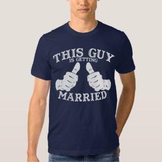 Ce type obtient la pièce en t mariée t-shirts