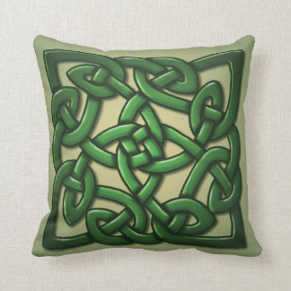Celtic Knot in green Throw Pillow