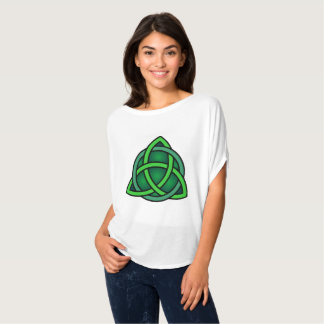 celtic knot ireland ancient symbol pagan irish T-Shirt