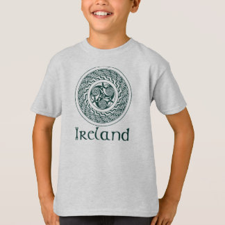 Celtic Knotwork Irish Medallion Pattern in Green T-Shirt