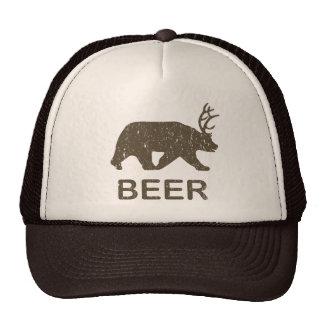 Cerfs communs d'ours de bière casquette