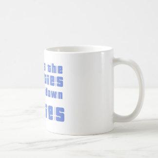 c'est les années 80 et im vers le bas avec les mug blanc