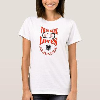 Cette fille aime l'Albanie T-shirt