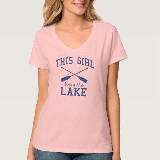 Cette fille aime le lac tee shirts
