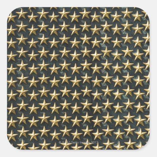 Champ des étoiles d'or au mémorial de la deuxième autocollant carré