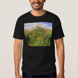 Champagne et fleurs tee-shirts