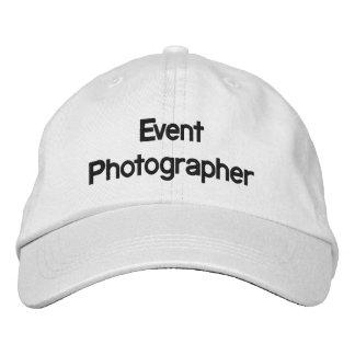 Chapeau brodé par photographe d'événement