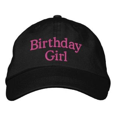 Chapeau de partie développé vers le haut du style. chapeaux brodés