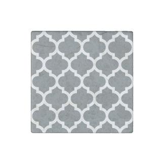 Charcoal Gray White Moroccan Quatrefoil Pattern 5 Stone Magnet