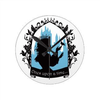 Charming princess stylish silhouette singing bird wall clock