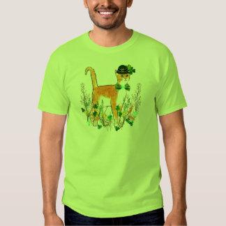 Chat du jour de St Patrick T-shirts