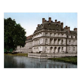 Chateau Fontainebleau Postcard