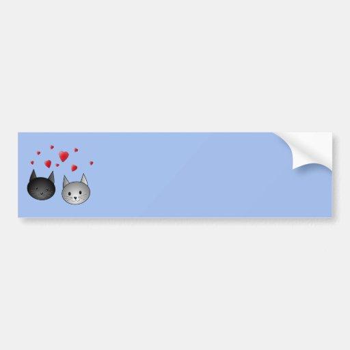 Chats noirs et gris mignons, avec des coeurs autocollants pour voiture