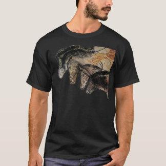 Chauvethorses Grotte Chauvet, Ardèche, France T-Shirt