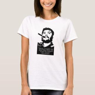 Che Guevara Smoking a Cuban cigar no doubt T-Shirt