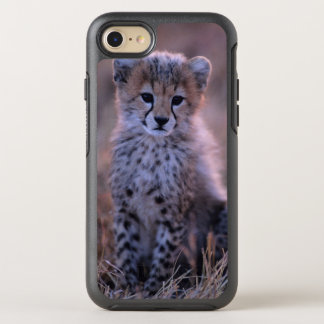 Cheetah Cub (Acinonyx Jubatus) On Savannah, Kenya OtterBox Symmetry iPhone 8/7 Case