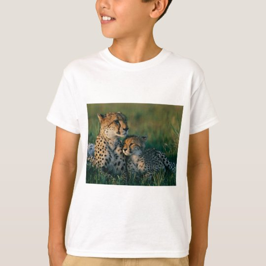 Cheetah Mother With Her Cub T-Shirt