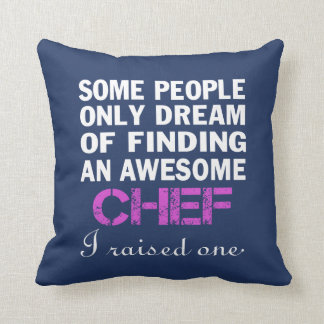 CHEF'S MOM THROW PILLOW
