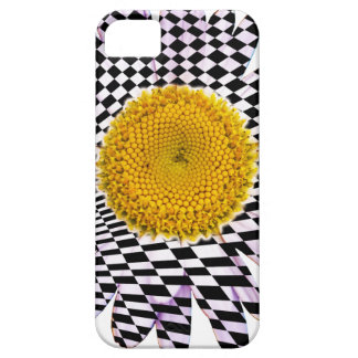 Chess board daisy case for the iPhone 5