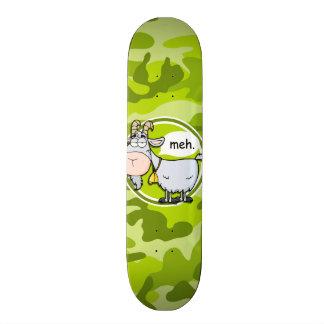 Chèvre drôle ; camo vert clair, camouflage plateaux de skateboards