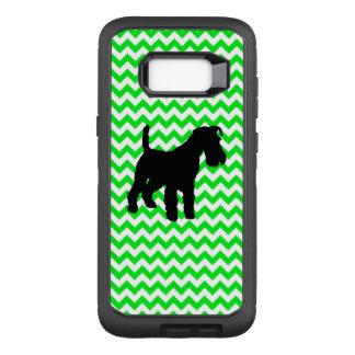 Chevron vert irlandais avec le Schnauzer Coque Samsung Galaxy S8+ Par OtterBox Defender