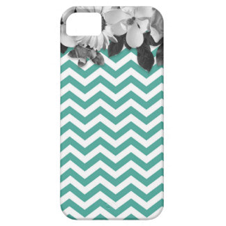 Chevron with flowers marries case for the iPhone 5