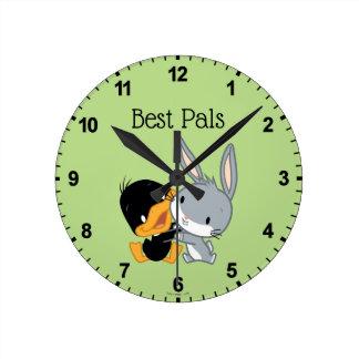 Chibi DAFFY DUCK™ & BUGS BUNNY™ Round Clock