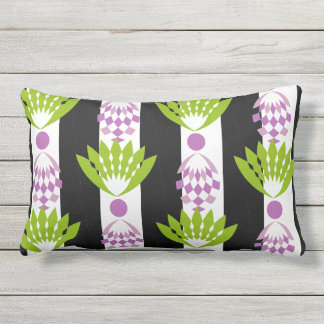 CHIC OUTDOOR PILLOW_MOD TROPICAL PURPLE PINEAPPLES OUTDOOR PILLOW