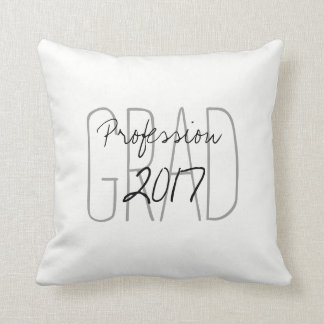 """CHIC PILLOW_""""2017 GRAD""""  DIY COLOR AND TEXT THROW PILLOW"""