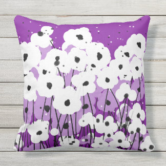 CHIC PILLOW_MOD WHITE/LAVENDER & BLACK POPPIES OUTDOOR PILLOW