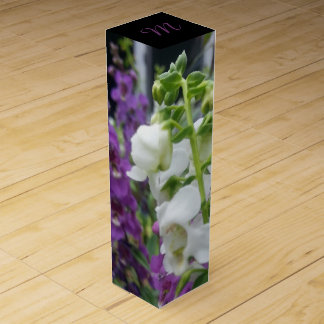 CHIC WINE GIFT BOX_WHITE AND PURPLE ANGELONIA WINE BOX
