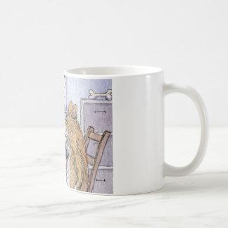 Chien de docteur Gallois Corgi vérifiant la Mug