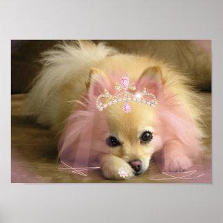chien féerique de princesse avec la couronne de di posters