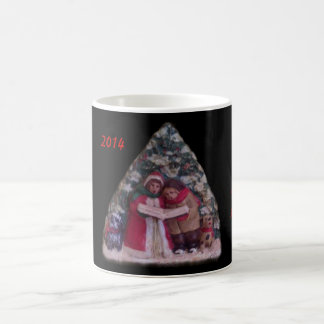CHILDREN'S CAROLS 113 CHRISTMAS VILLAGE ORNAMENT COFFEE MUG