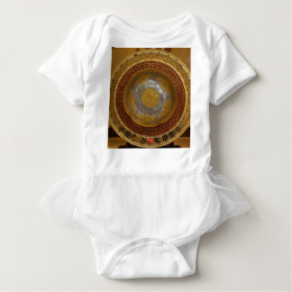 Chinese flower plaque baby bodysuit